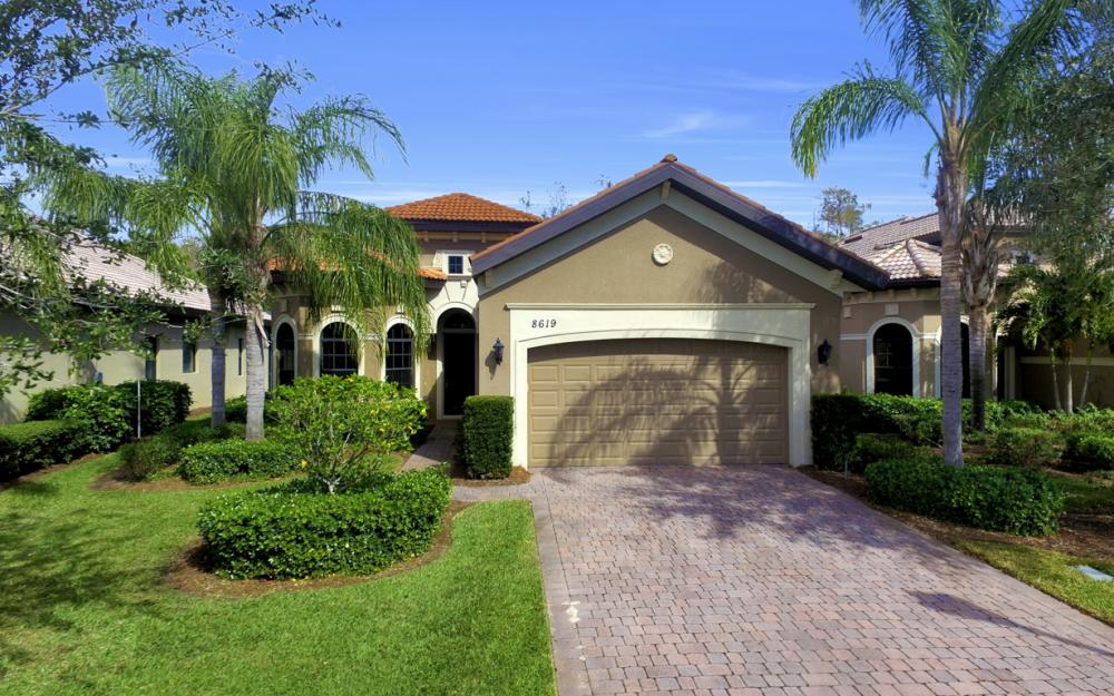 8619 Mercado Ct, Fort Myers - Home For Sale 741053439