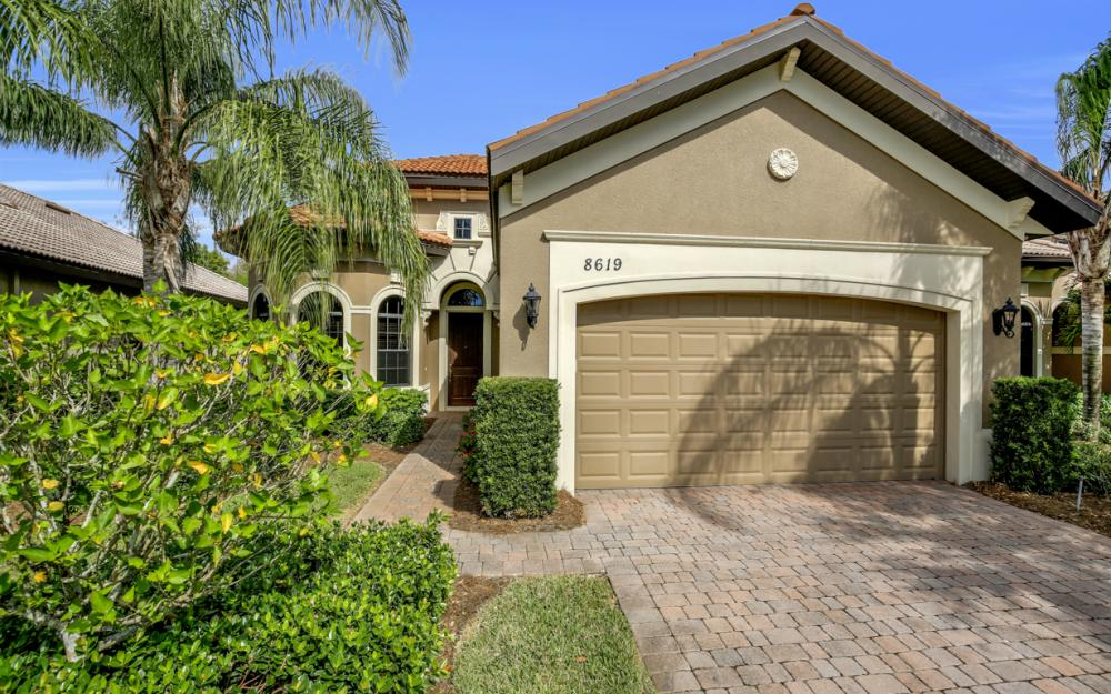 8619 Mercado Ct, Fort Myers - Home For Sale 1086262318