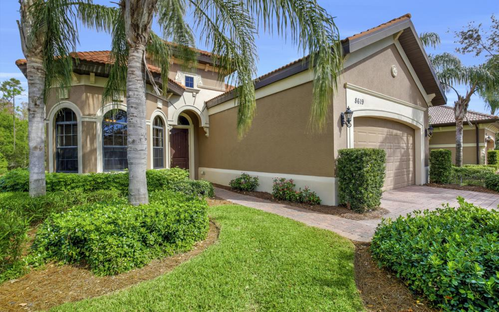 8619 Mercado Ct, Fort Myers - Home For Sale 402481368