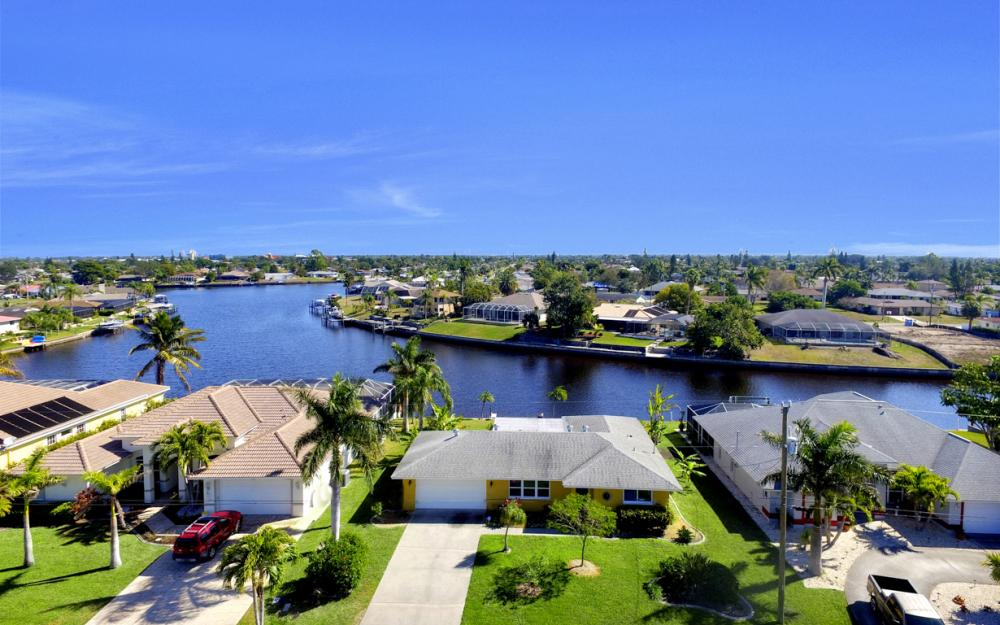 2809 SE 10th Ave, Cape Coral - Home For Sale 966219025