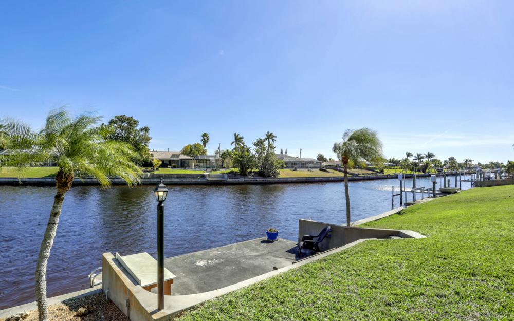 2809 SE 10th Ave, Cape Coral - Home For Sale 1894408160