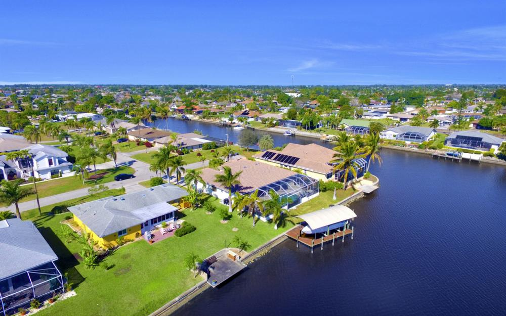 2809 SE 10th Ave, Cape Coral - Home For Sale 845552421
