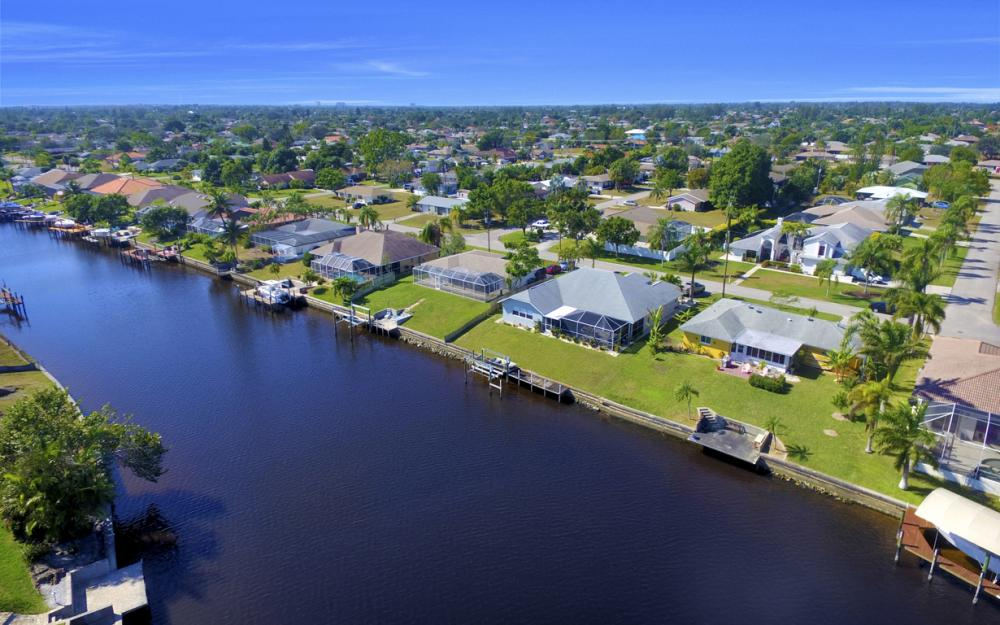 2809 SE 10th Ave, Cape Coral - Home For Sale 138691515