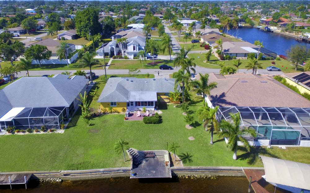 2809 SE 10th Ave, Cape Coral - Home For Sale 1970493274