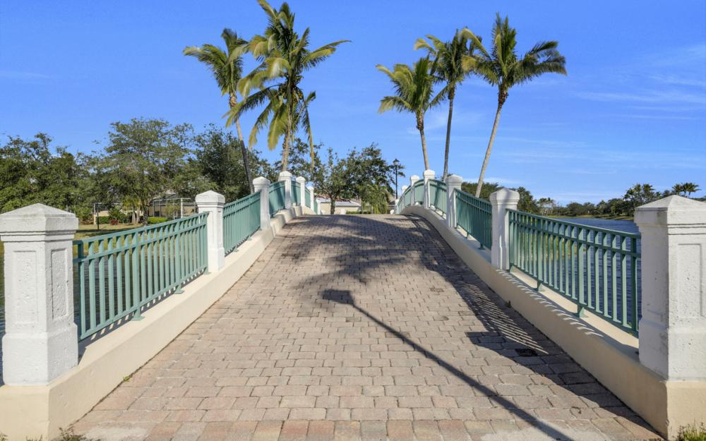 3987 Upolo Ln, Naples - Home For Sale 392490619