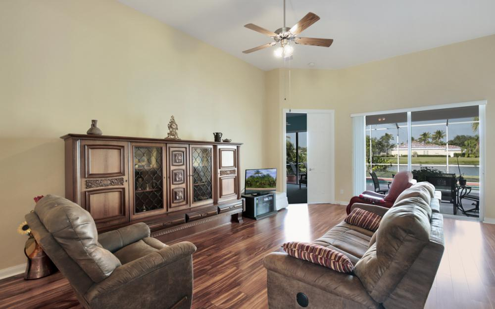 3987 Upolo Ln, Naples - Home For Sale 1709008848