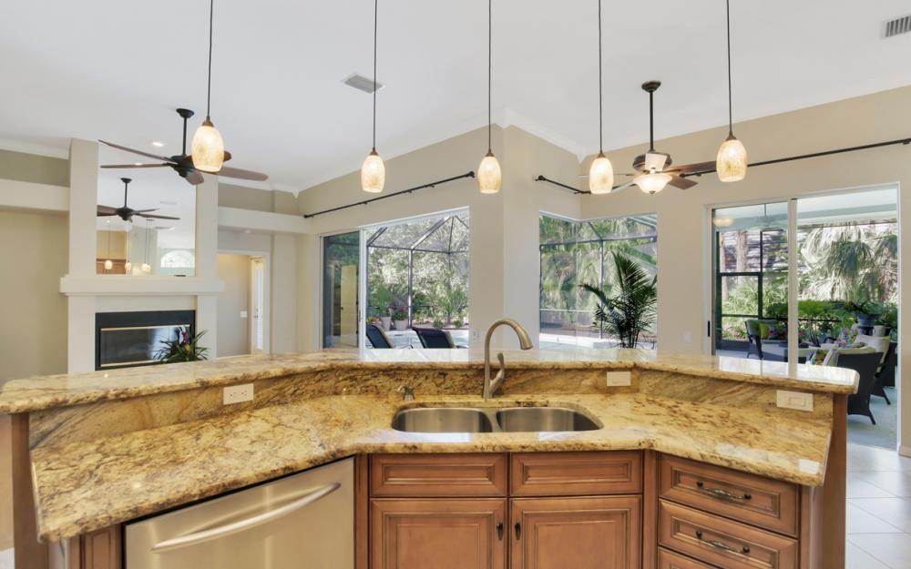 3761 Lakemont Dr, Bonita Springs - Home For Sale 1908468522