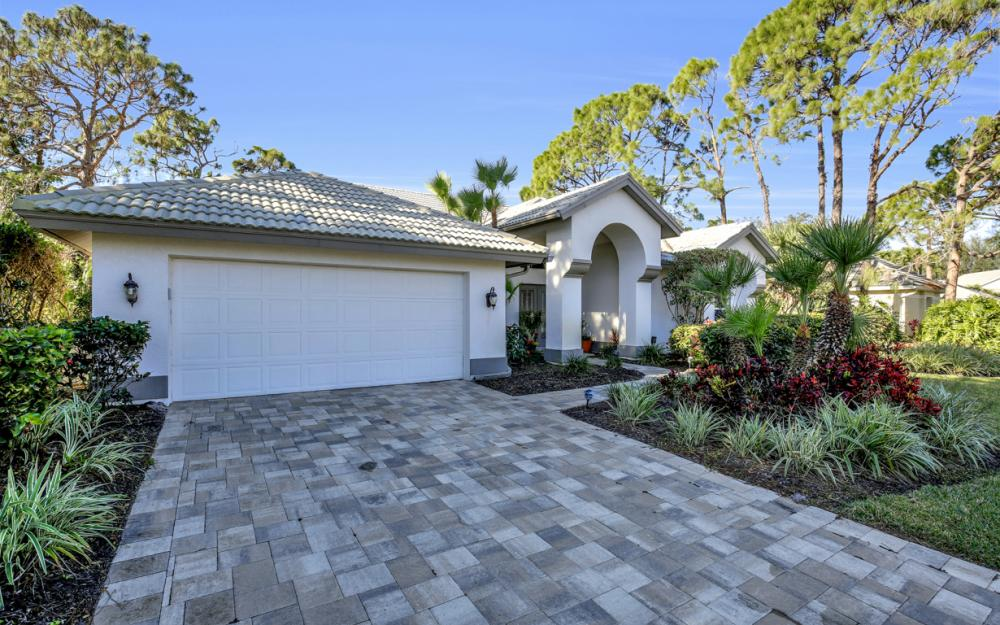 3761 Lakemont Dr, Bonita Springs - Home For Sale 1148266814