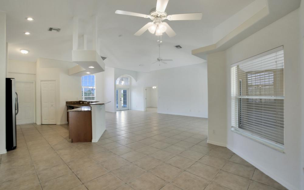 2510 NW 25th St, Cape Coral - Home For Sale 427491553