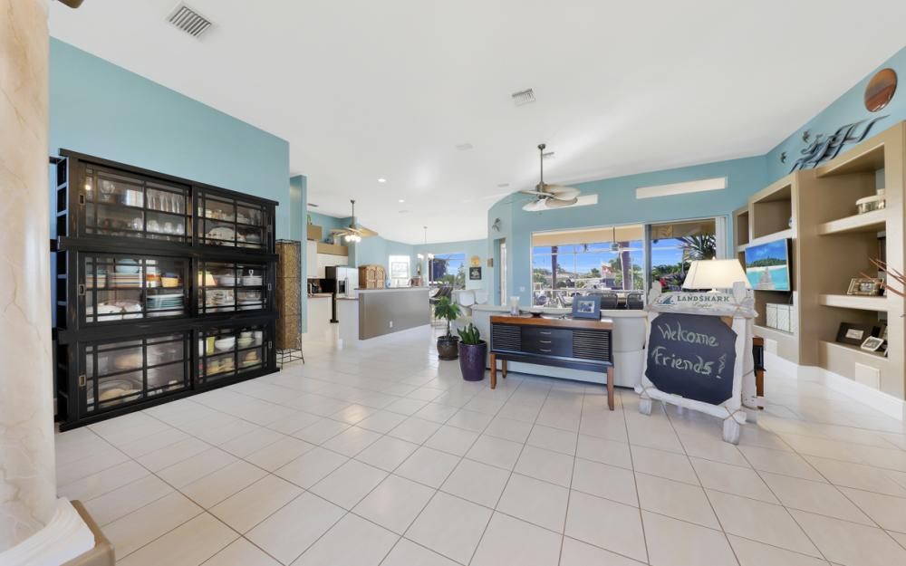 1520 SW 51st Ln, Cape Coral - Home For Sale 52116216