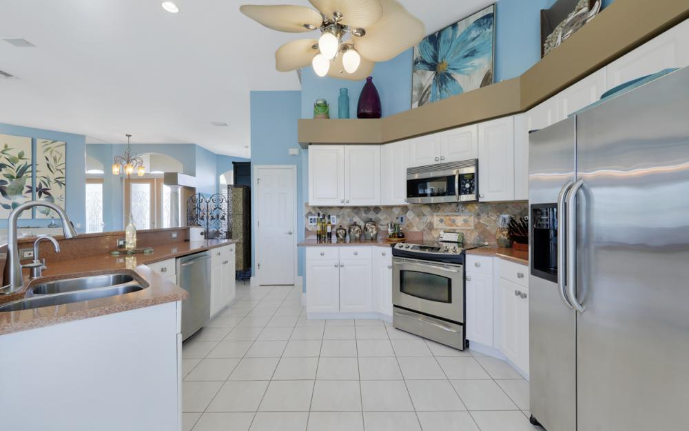 1520 SW 51st Ln, Cape Coral - Home For Sale 463606650