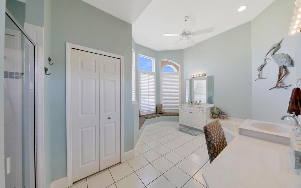 1520 SW 51st Ln, Cape Coral - Home For Sale 157734157
