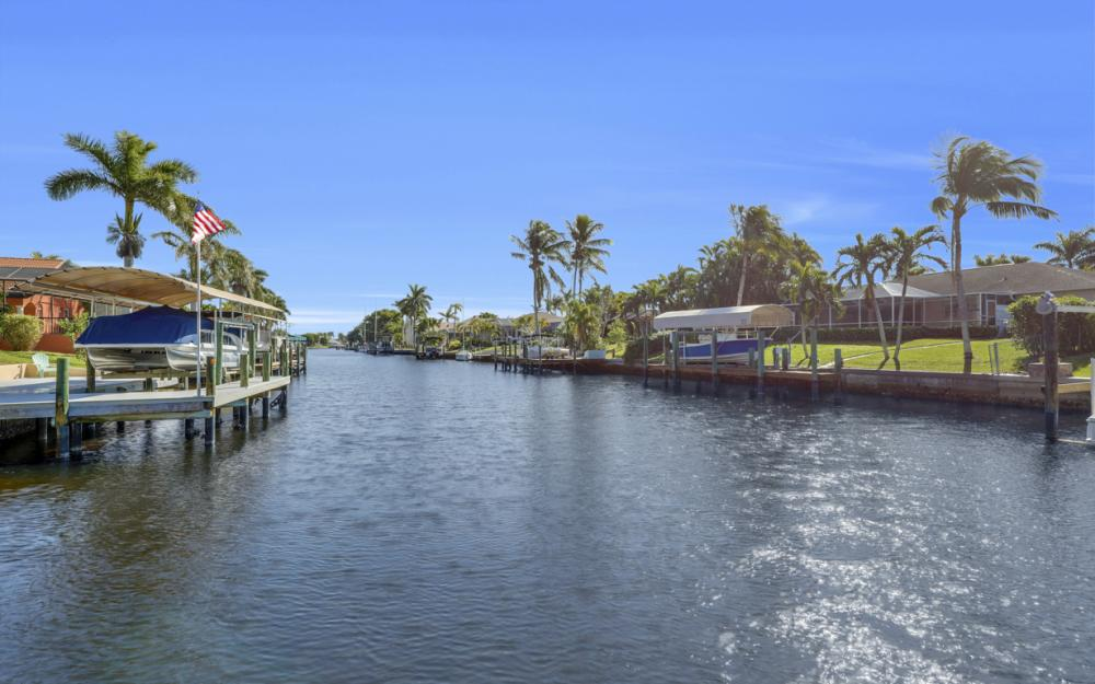 1520 SW 51st Ln, Cape Coral - Home For Sale 522547362