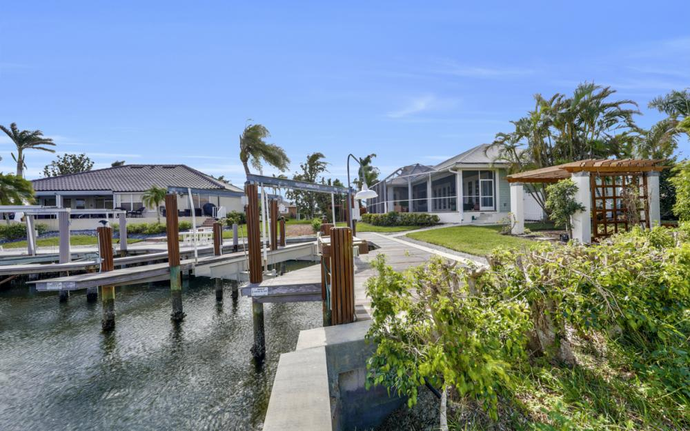 1767 Hummingbird Ct, Marco Island - Home For Sale 1862742978