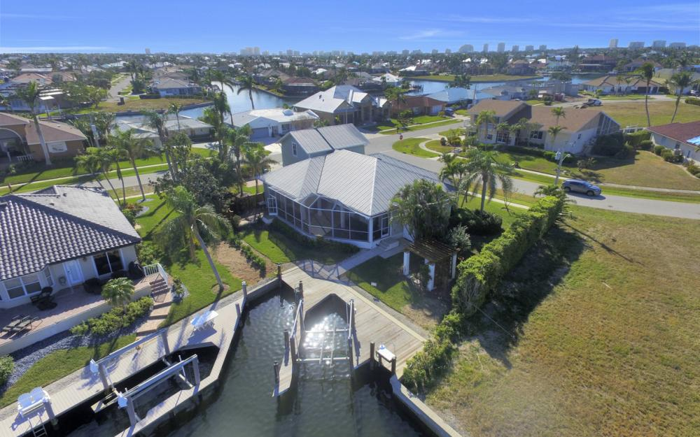 1767 Hummingbird Ct, Marco Island - Home For Sale 604235262