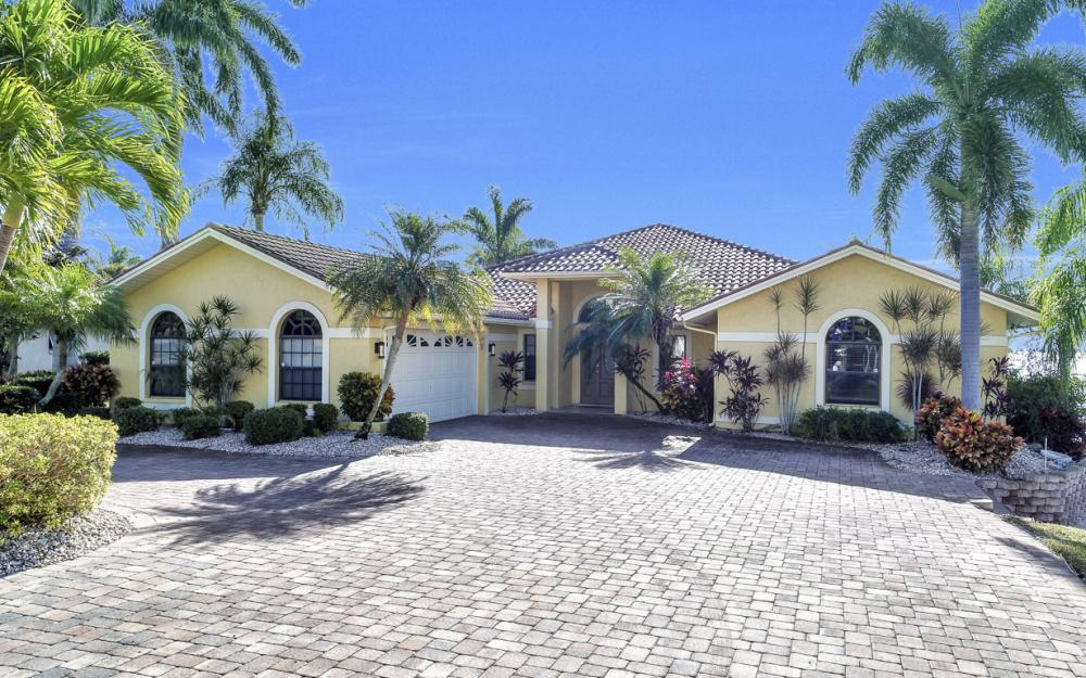 2402 SE 28th St, Cape Coral - Home For Sale 396744673