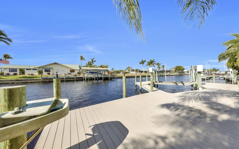 2402 SE 28th St, Cape Coral - Home For Sale 1598700321