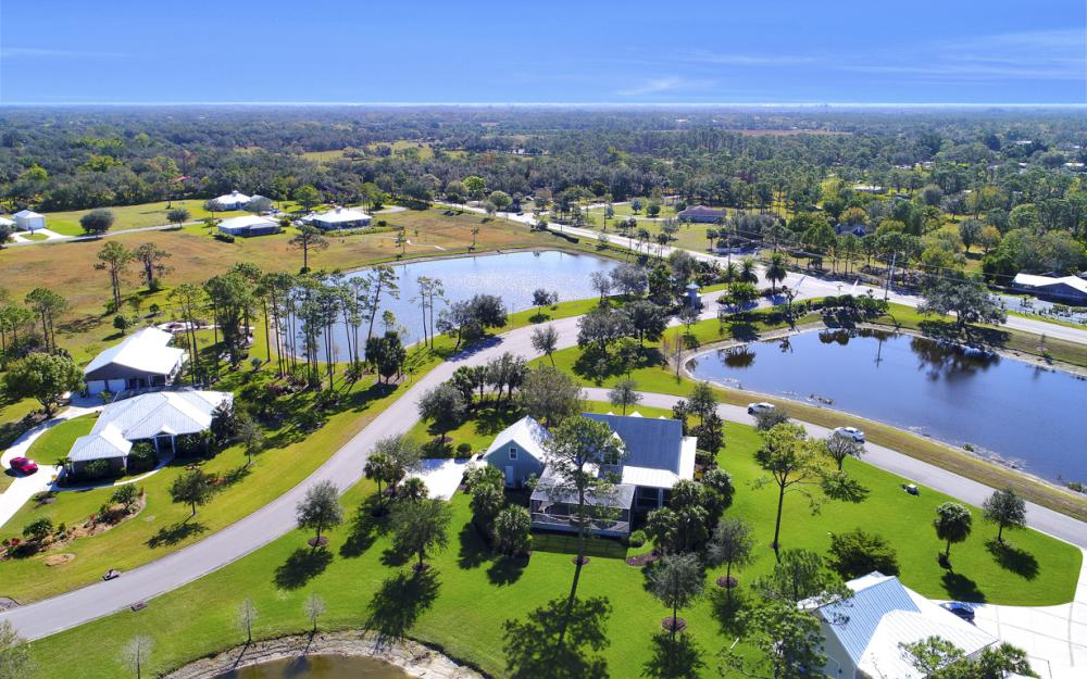 12101 Nokomis Ct, Fort Myers - Home For Sale 1002595348