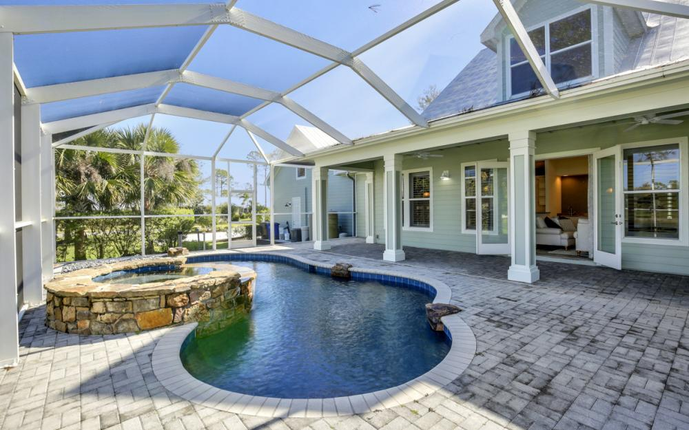 12101 Nokomis Ct, Fort Myers - Home For Sale 1185892191