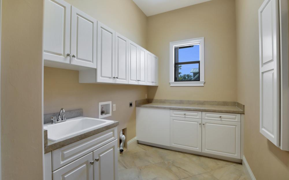 4070 Horse Creek Blvd, Fort Myers - Home For Sale 580115579