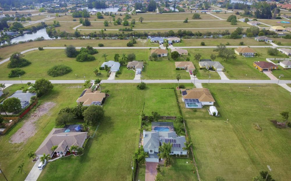 400 SW 29th Ave, Cape Coral - Home For Sale 1131886989