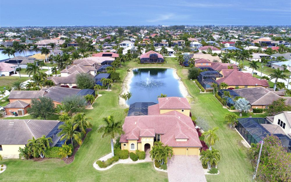 2211 SW 52nd Ln, Cape Coral - Home For Sale 866854506
