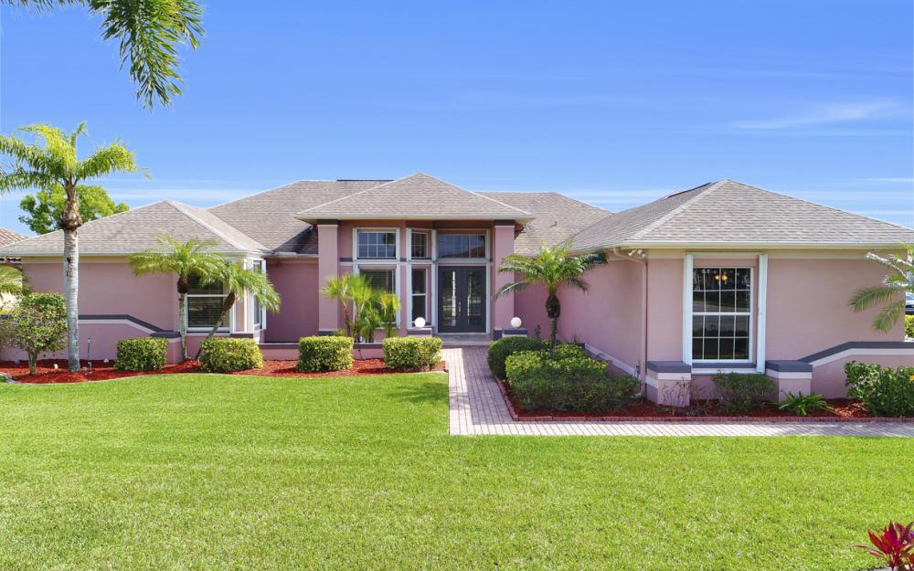3815 Surfside Blvd, Cape Coral - Home For Sale 1403909250