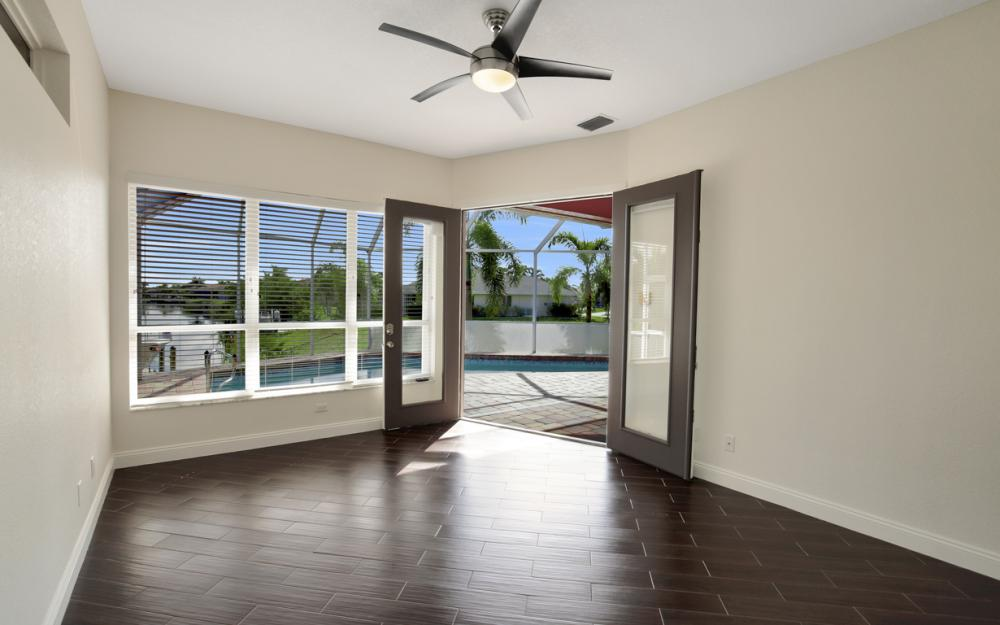 3815 Surfside Blvd, Cape Coral - Home For Sale 835919267