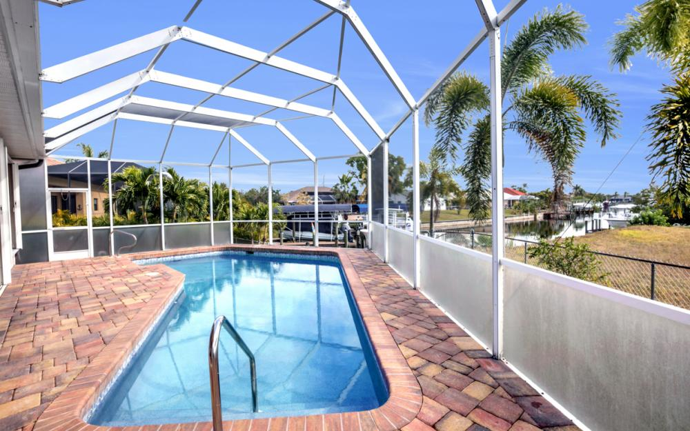 3815 Surfside Blvd, Cape Coral - Home For Sale 2045084719