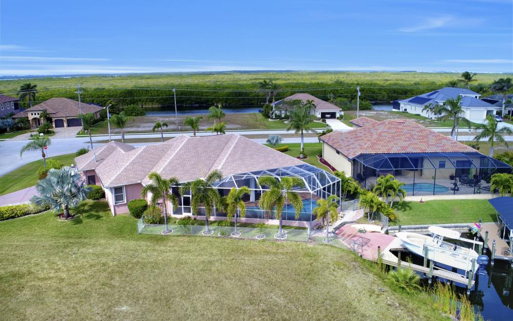 3815 Surfside Blvd, Cape Coral - Home For Sale 264453763