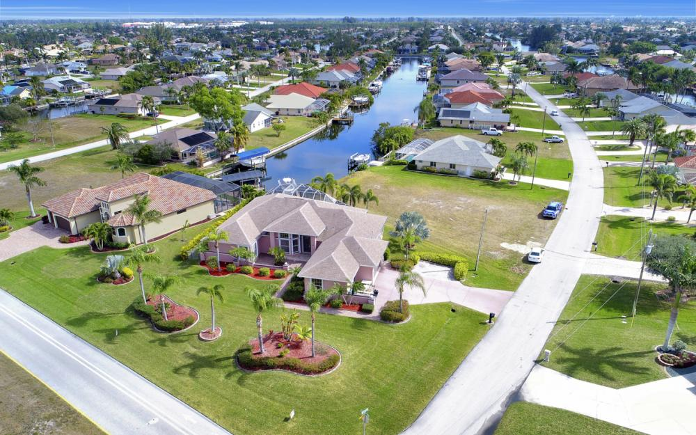 3815 Surfside Blvd, Cape Coral - Home For Sale 1292649668