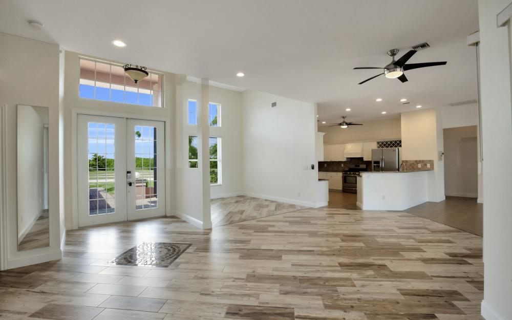 3815 Surfside Blvd, Cape Coral - Home For Sale 637952816