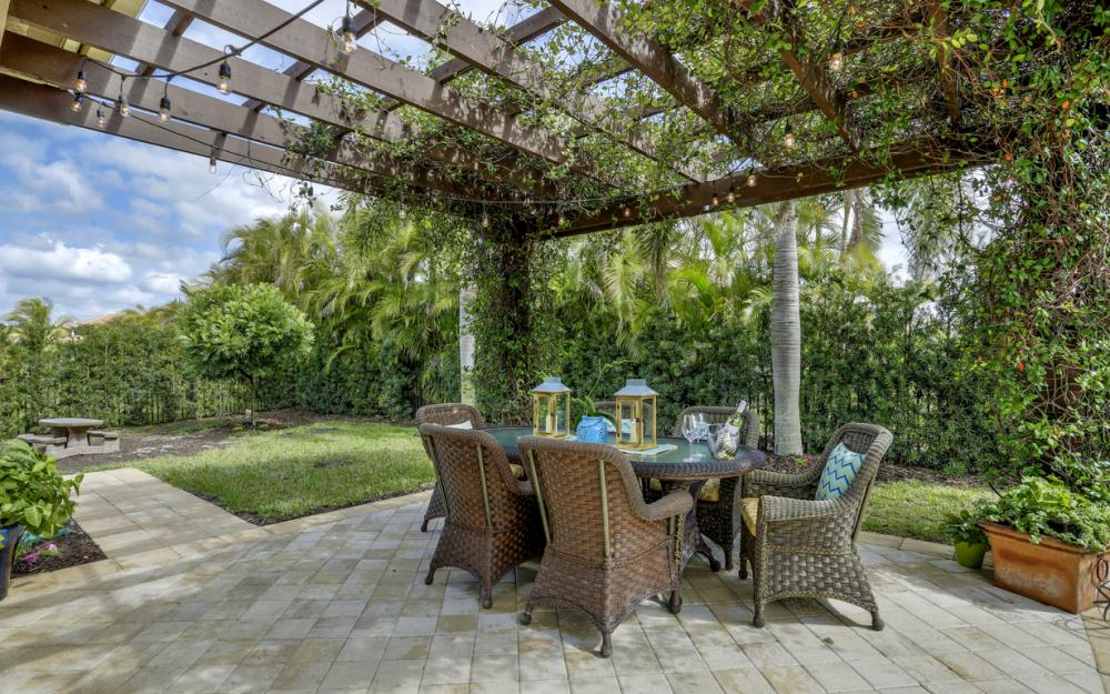 3159 Pacific Dr, Naples - Home For Sale 1221772499
