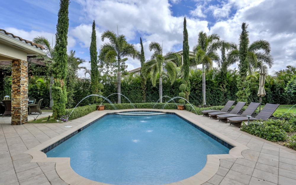 3159 Pacific Dr, Naples - Home For Sale 41033660