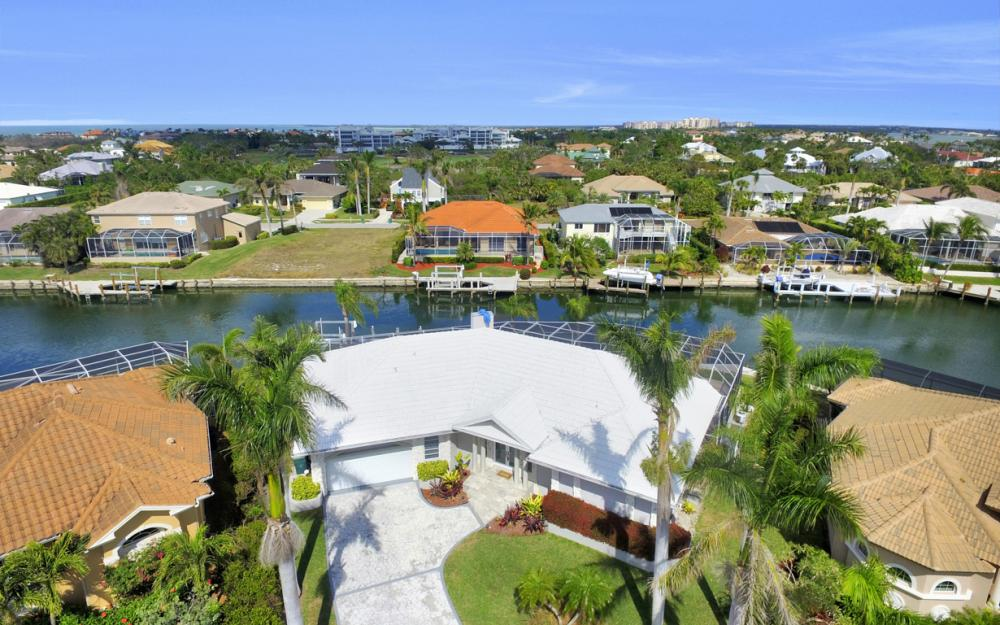 335 Cottage Ct, Marco Island - Home For Sale 2000404432