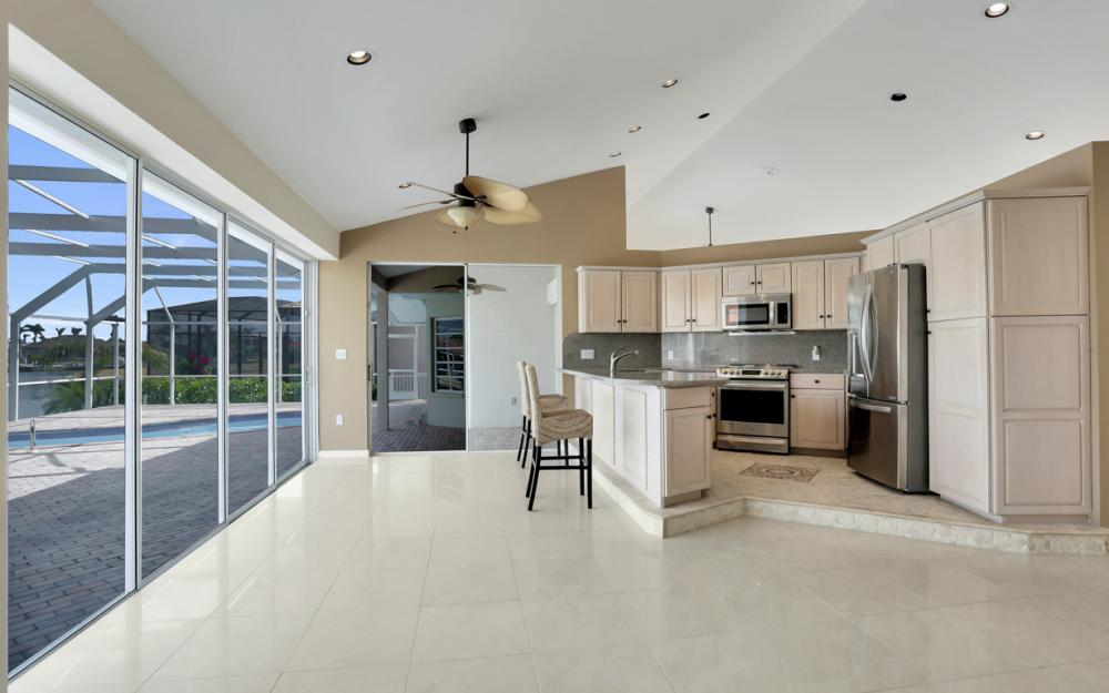 335 Cottage Ct, Marco Island - Home For Sale 806858167