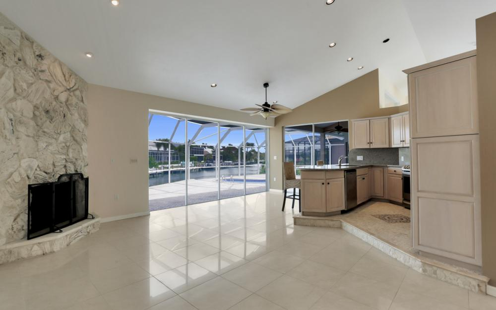335 Cottage Ct, Marco Island - Home For Sale 1846780524