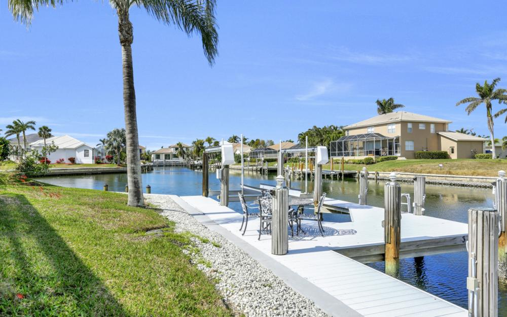 335 Cottage Ct, Marco Island - Home For Sale 1981791317