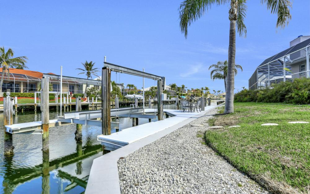 335 Cottage Ct, Marco Island - Home For Sale 1807636395