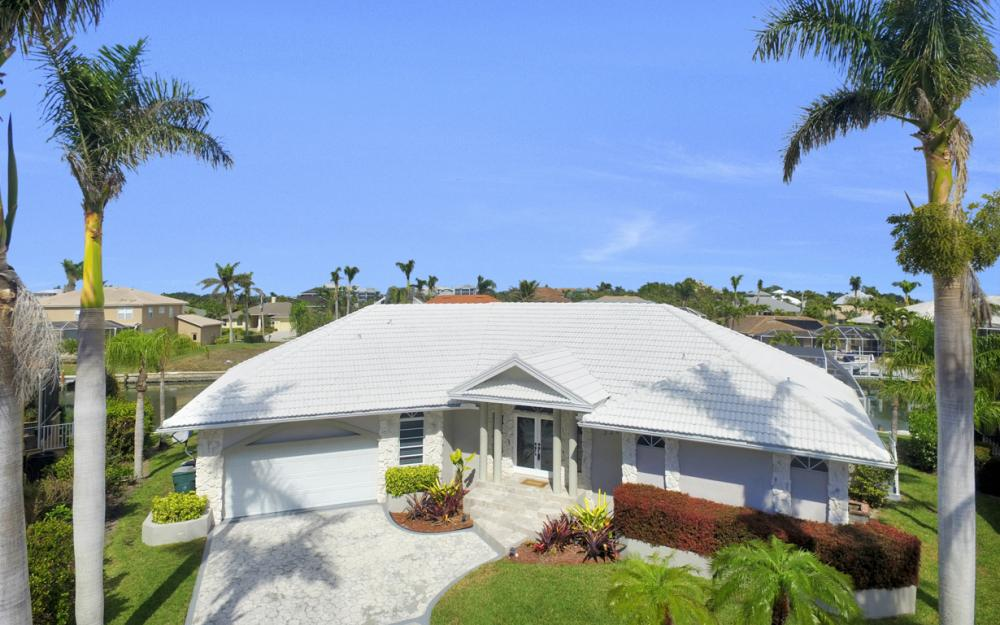 335 Cottage Ct, Marco Island - Home For Sale 101057307