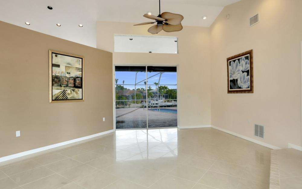 335 Cottage Ct, Marco Island - Home For Sale 1912160690