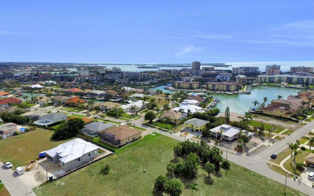 828 Amber Dr, Marco Island - Lot For Sale 1231626109