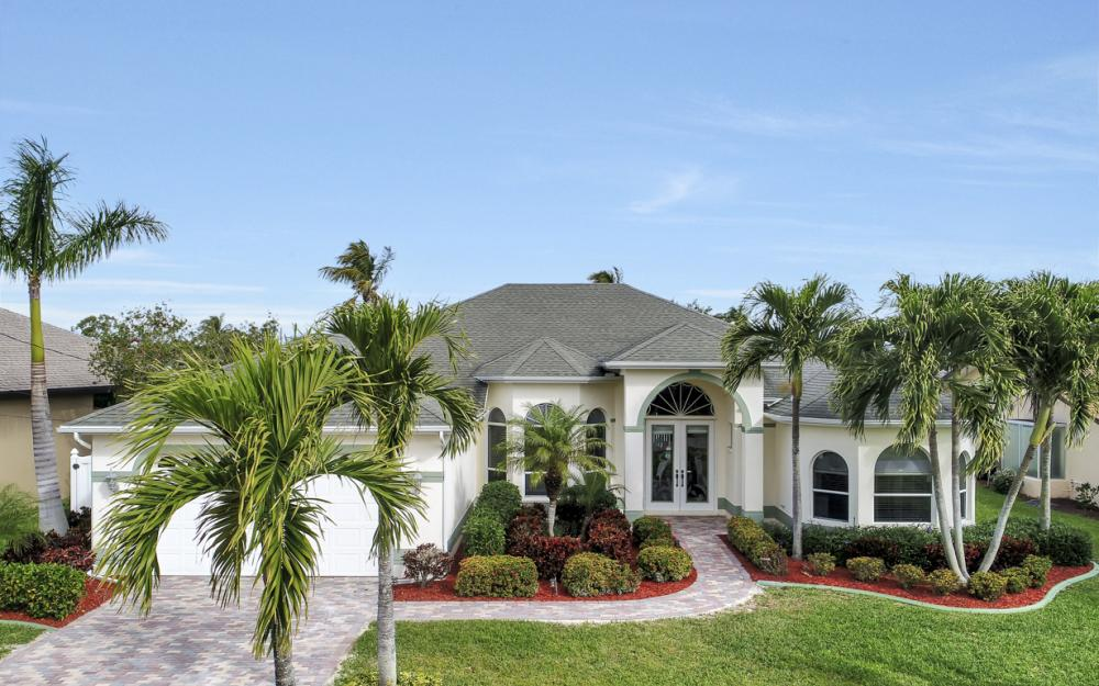 2033 SE 28th St, Cape Coral - Home For Sale 822000328