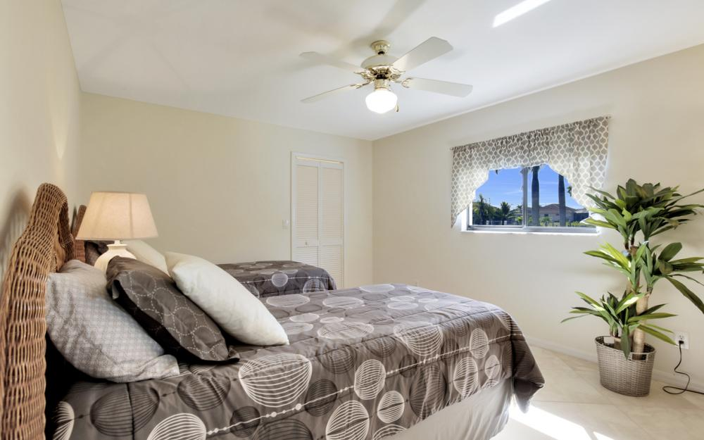 4319 SW 18th Pl, Cape Coral - Home For Sale 272490893
