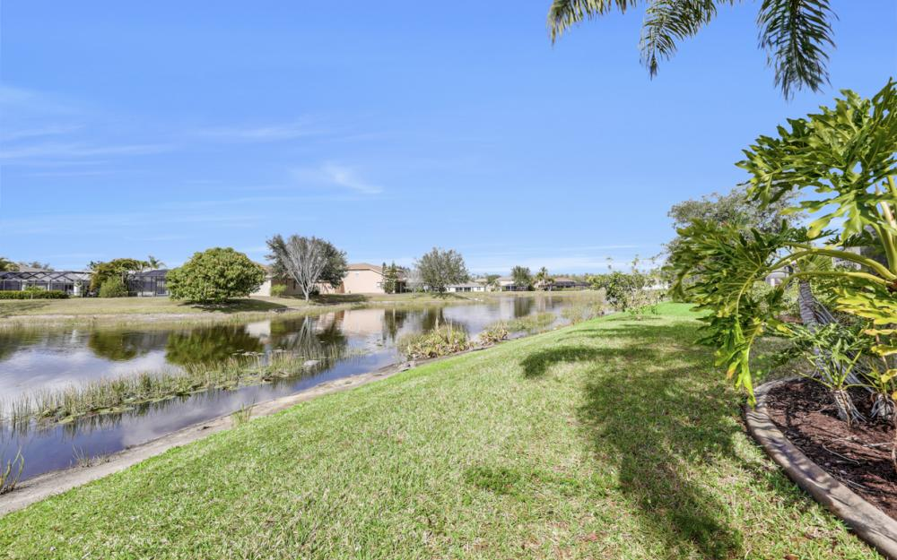 9025 Falcon Pointe Loop, Fort Myers - Home For Sale 861040131