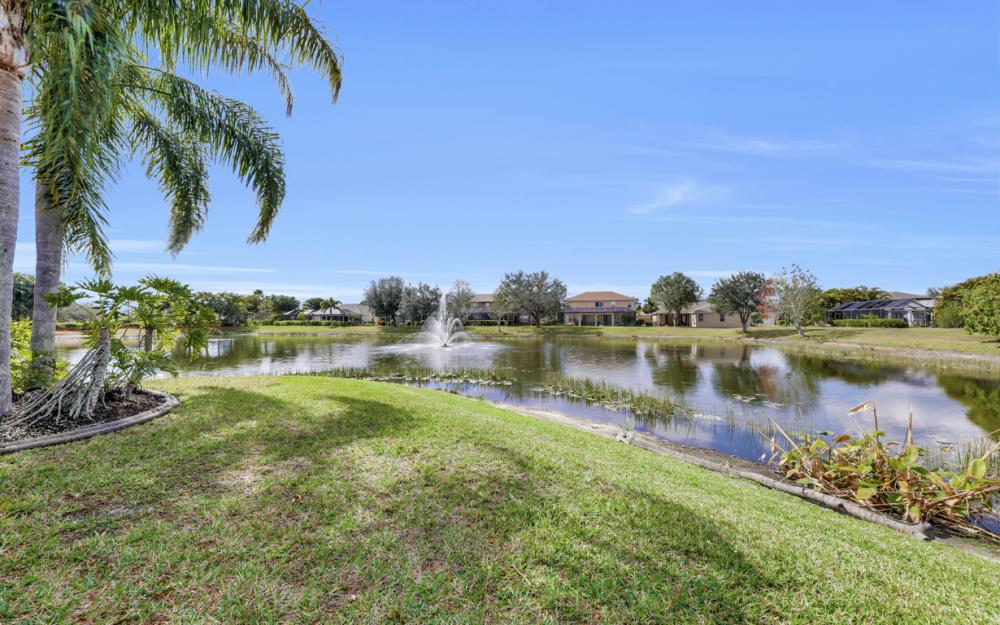 9025 Falcon Pointe Loop, Fort Myers - Home For Sale 1945977076