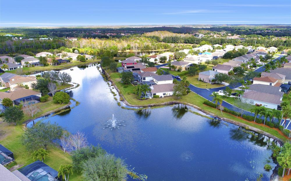 9025 Falcon Pointe Loop, Fort Myers - Home For Sale 365683938