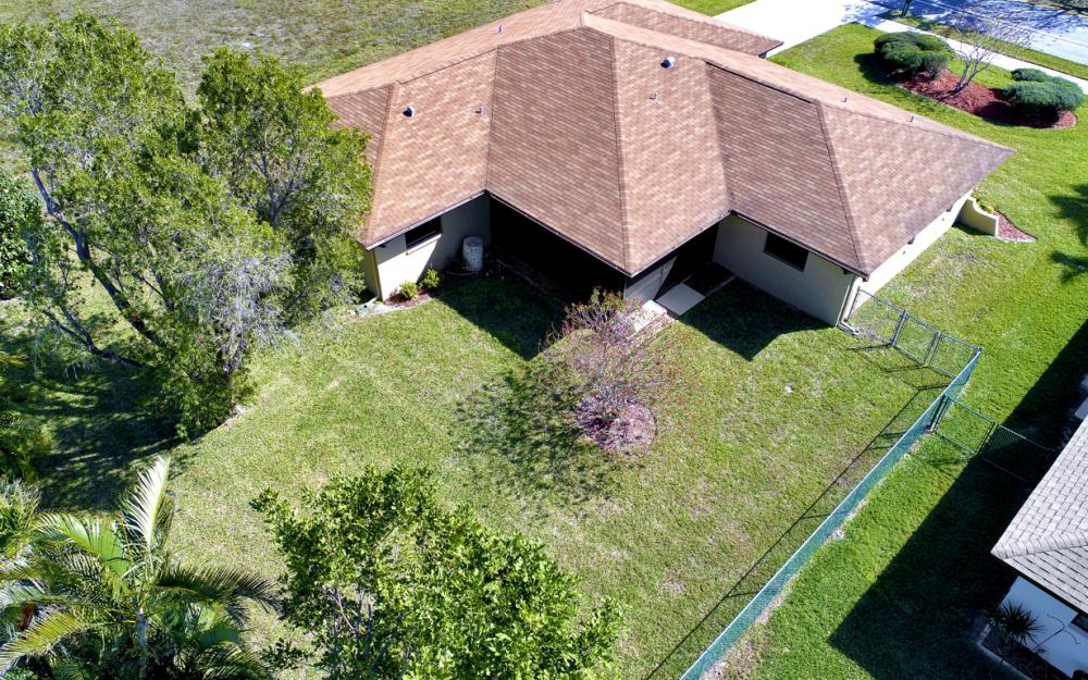 707 Wildwood Pkwy, Cape Coral - Home For Sale 1786740918