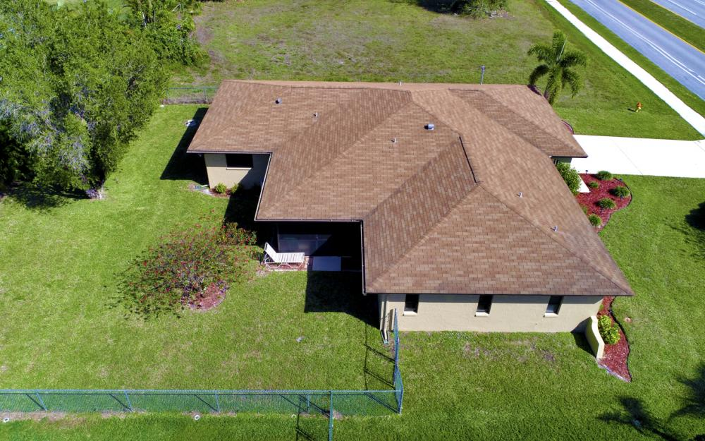 707 Wildwood Pkwy, Cape Coral - Home For Sale 2045881544