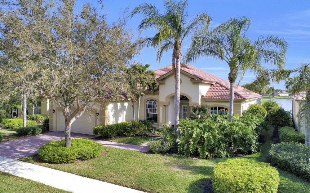 26473 Doverstone St, Bonita Springs - Home For Sale 1002178031